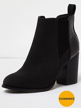 river-island-new-giant-high-heel-chelsea-boot