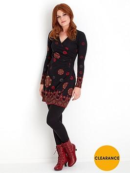 joe-browns-no-ordinary-dress