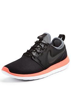 Size 7.5 Men's Nike Roshe Run Two Black Athletic Fashion