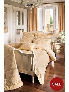 dorma-dorma-blenheim-bedspread-265x265cm