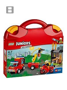 lego-juniors-10740-fire-patrol-suitcasenbsp