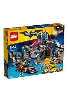 lego-the-batman-movie-lego-batman-batcave-break-in