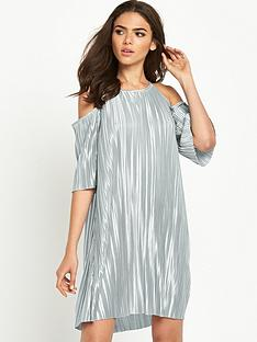 glamorous-cold-shoulder-pleated-dress