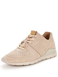 ugg-tye-soft-leather-trainer