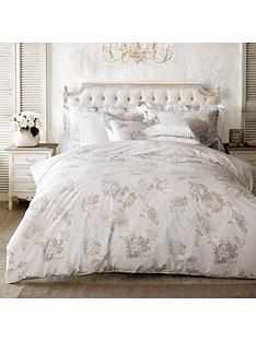 holly-willoughby-hydrangea-duvet-cover