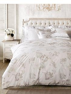 holly-willoughby-hydrangea-oxford-pillowcase-pair