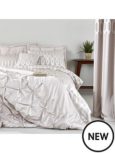 florencenbspbedspread-throw