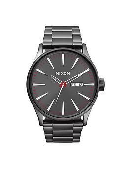 nixon-sentry-ss-gunmetal-dial-gunmetal-stainless-steel-bracelet-mens-watch