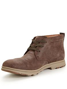 cat-landmark-chukka-boot