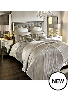 kylie-minogue-omara-bedspread-throw