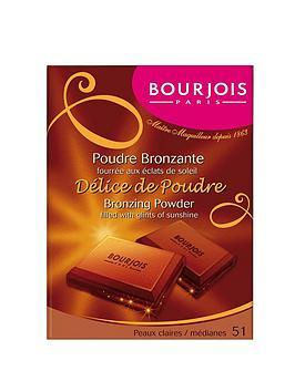 bourjois-delice-de-poudre-peaux-clair-medianes
