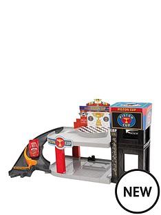 cars-piston-cup-racing-garage