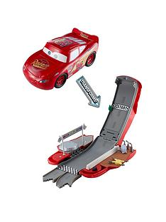 cars-cars-transforming-lightning-mcqueen-playset