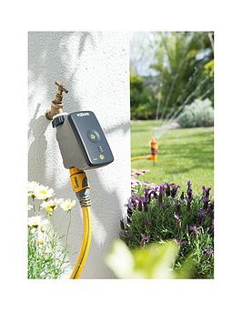 hozelock-cloud-controller-via-smartphone-automatic-watering-system