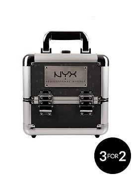 nyx-professional-makeup-artist-train-case-beginner