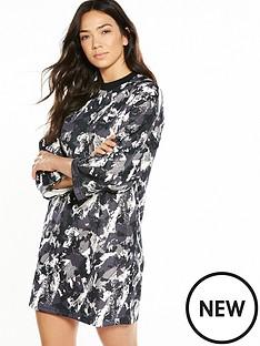 puma-printed-archive-logo-dress-blackmultinbsp