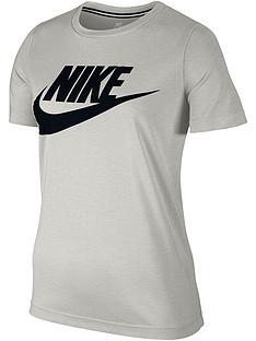 nike-sportswear-essential-logo-t-shirt