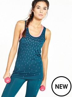 nike-training-chrome-blush-rain-graphic-tank