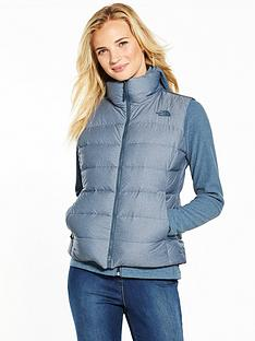 the-north-face-nuptse-vest-light-blue