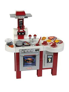 miele-deluxe-kitchen-with-amazing-bubbles