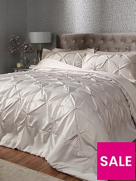 luxe-collection-florencenbspbedspread-and-pillow-sham-set