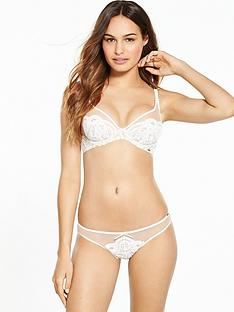 boux-avenue-opal-brief