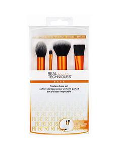 real-techniques-flawless-base-set-amp-free-real-techniques-miracle-complexion-sponge