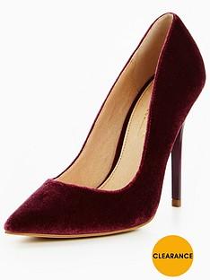 office-velvet-court-shoe