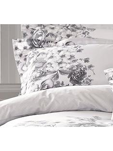 holly-willoughby-chloe-100-cotton-200-thread-count-pillowcase-pair