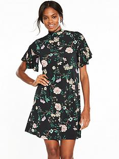 v-by-very-printed-fluted-sleeve-tunic-dress