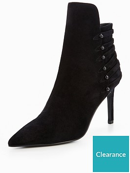kendall-kylie-point-shoe-boot