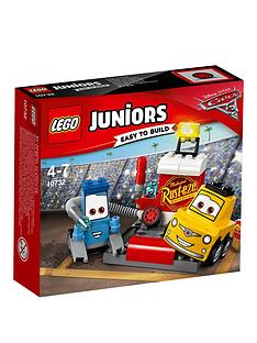 lego-juniors-disney-cars-3-guido-and-luigis-pit-stop