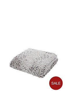 catherine-lansfield-faux-fur-wolf-throw