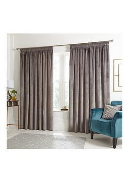 ideal-home-luxury-opulence-pleated-curtains