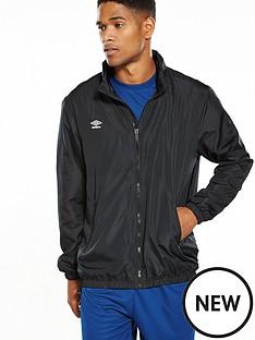 umbro-essential-light-rain-jacket