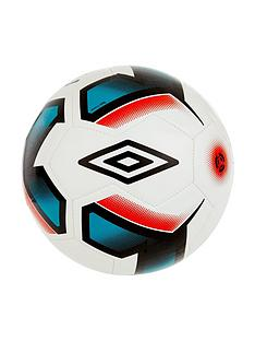 umbro-neo-trainer-football