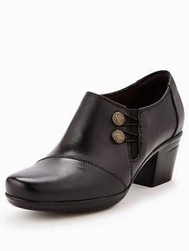 clarks-emslie-warren-ankle-boot