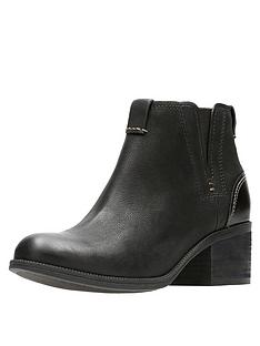 clarks-maypearl-daisy-ankle-boot