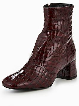 karen-millen-leather-patent-crocodile-boots