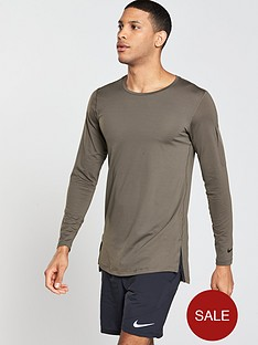 nike-fitted-utility-long-sleeve-training-top