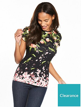 ted-baker-delilee-peach-blossom-fitted-tee