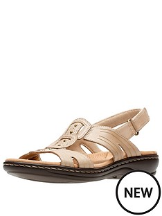 clarks-leisa-vine-low-wedge-sandal-sand