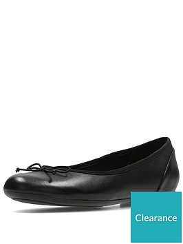 clarks-couture-bloom-wide-fit-ballerina