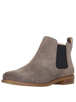 clarks-taylor-shine-chelsea-ankle-boot