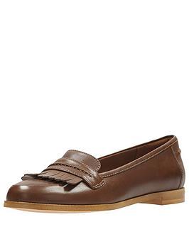 clarks-andora-crush-loafer-tan