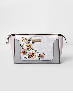 river-island-embroidered-make-up-bag