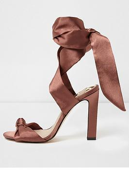 Find Great Up Blush Island Tie Sandals Satin River Cheap Footlocker Pictures The Cheapest With Paypal Cheap Price Outlet Clearance yNWrRTjO