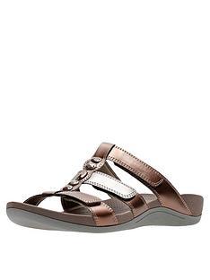 clarks-pical-cusick-slide-flat-sandal-metallic