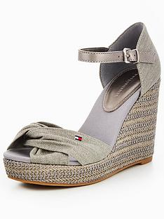 tommy-jeans-iconic-elena-metallic-canvas-wedge-sandal-light-grey