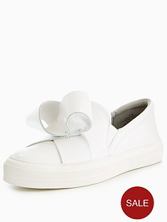 nine-west-odienella-origami-bow-sneaker